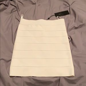 Medium mini BCBG MAXAZRIA bandage white skirt nwt